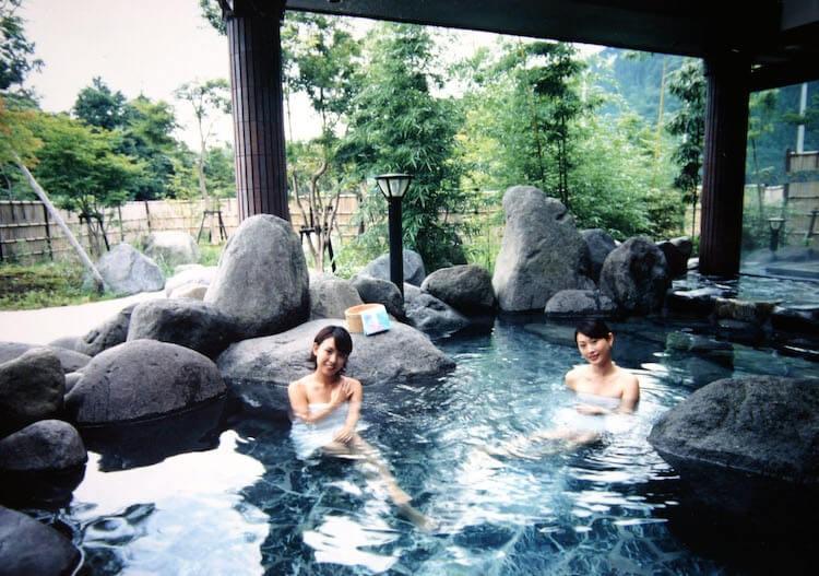 ชวนแช่ออนเซ็นที่ประเทศญี่ปุ่น ที่สุดของความผ่อนคลาย
